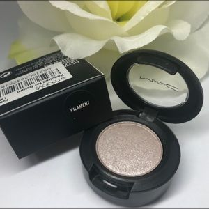 Filament eyeshadow MAC
